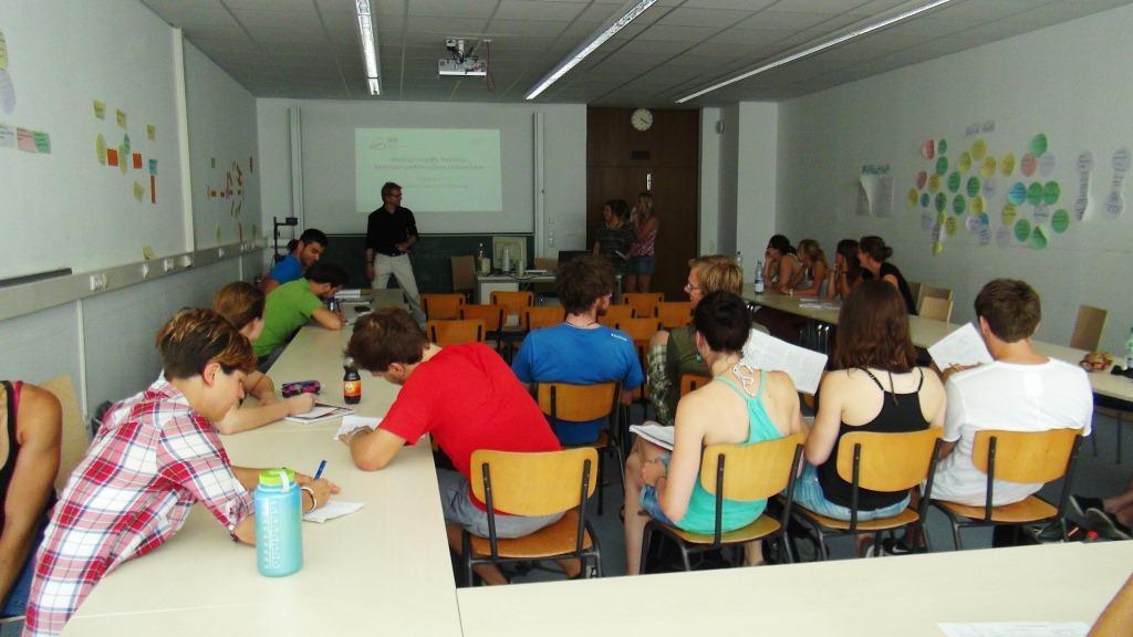 Arbeitskreis-mit-Prof.-Sygusch